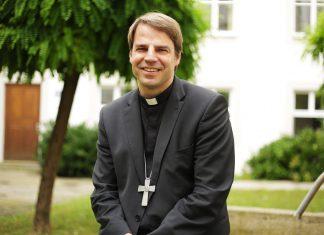 Jugendbischof Jugendliche bei Klimaschutz und Digitalisierung beteiligen